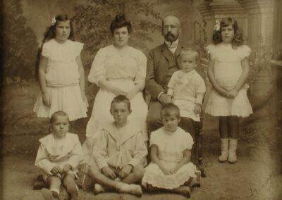 J. Poska perekonnaga 1906