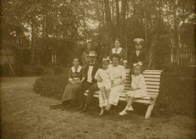 J. Poska perekonnaga 1914